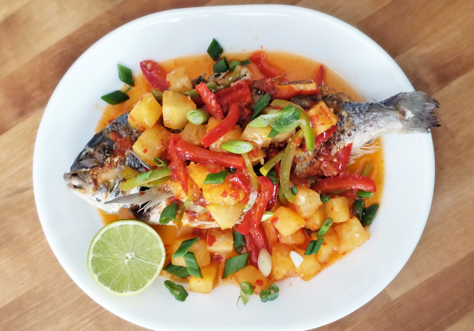 Fried Whole Bream with Sweet Chili Sauce and Pineapple